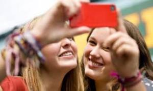 jan-humor-selfie-kanikapriyadarshi