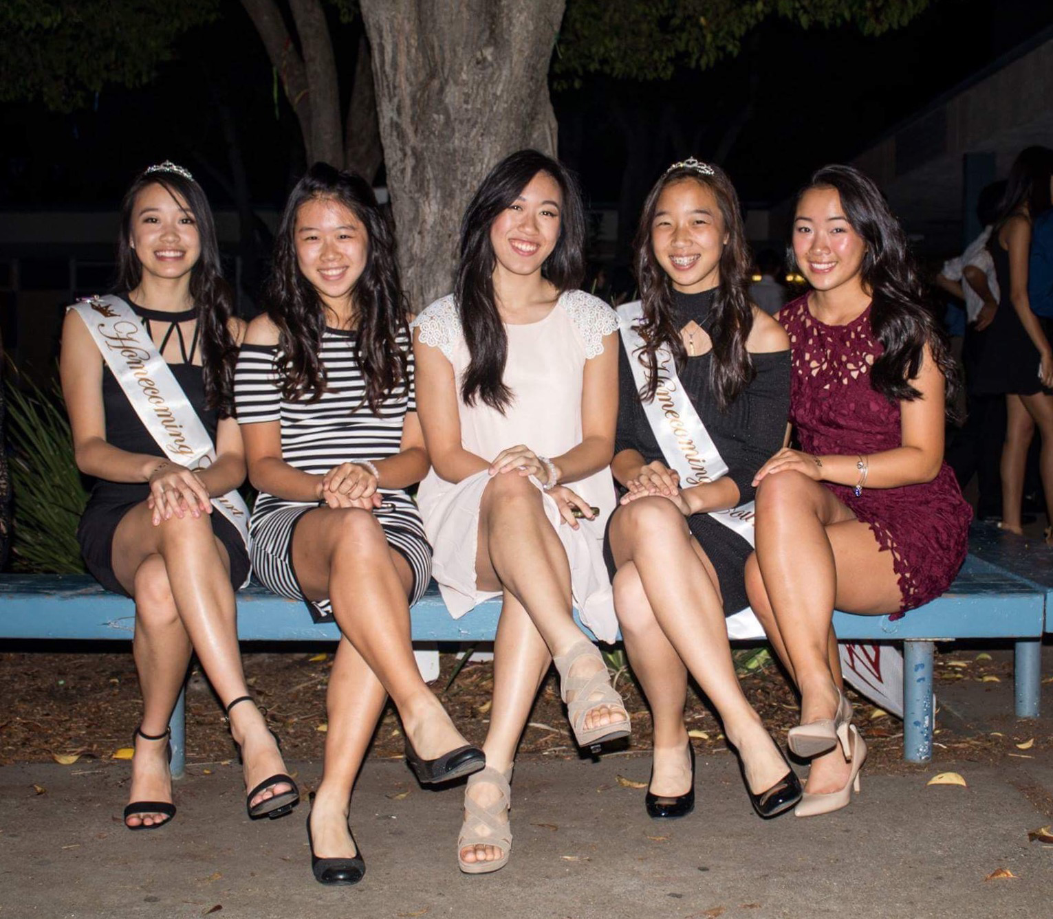(From left to right) Seniors Jessica Lee, Stephanie Lai, Kelly Leu, Justine Du, and Amanda Tran enjoy their final Homecoming Dance at Irvington  (Photo: Jeffrey Ding).