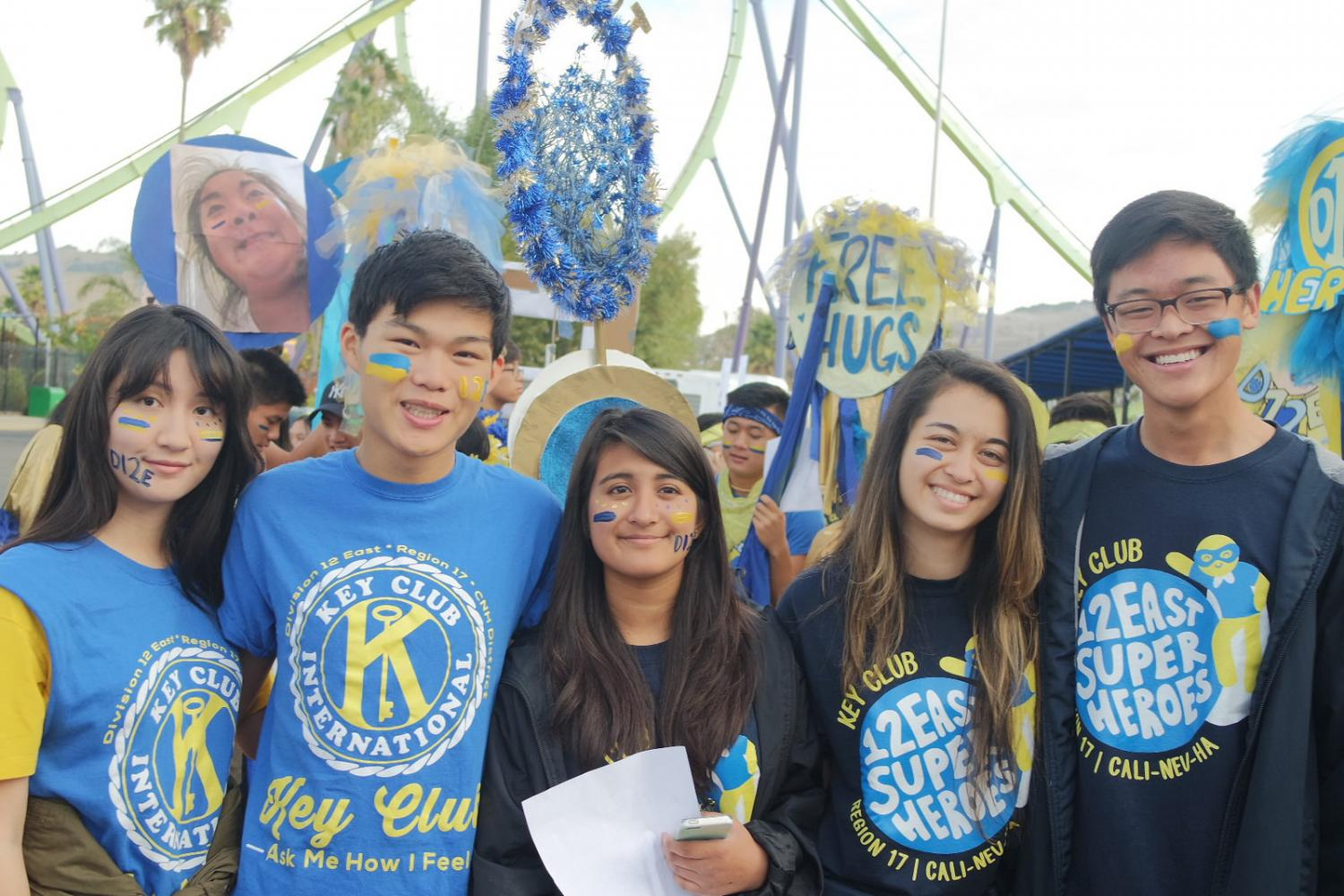 Key Clubbers pose before going to the rally. Irvington's Key Club held its annual Fall Rally North (FRN) spirit bootcamp at Six Flags Discovery Kingdom on Oct. 22, in which Key Clubbers bond with other members, get spirit, and kick off the year. Members from all of northern California rallied and showed off their spirit at the amusement park.