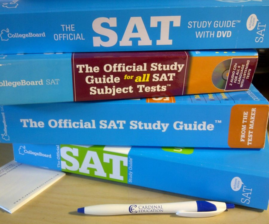 Standardized+tests+have+sparked+a+thriving+test+prep+industry%2C+including+brand+names+like+Barron%E2%80%99s%2C+Princeton+Review%2C+and+even+College+Board%E2%80%99s+own+official+SAT+guide%2C+the+%E2%80%9Cblue+book.%E2%80%9D