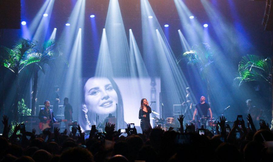 Lana Del Rey stans worship their queen.